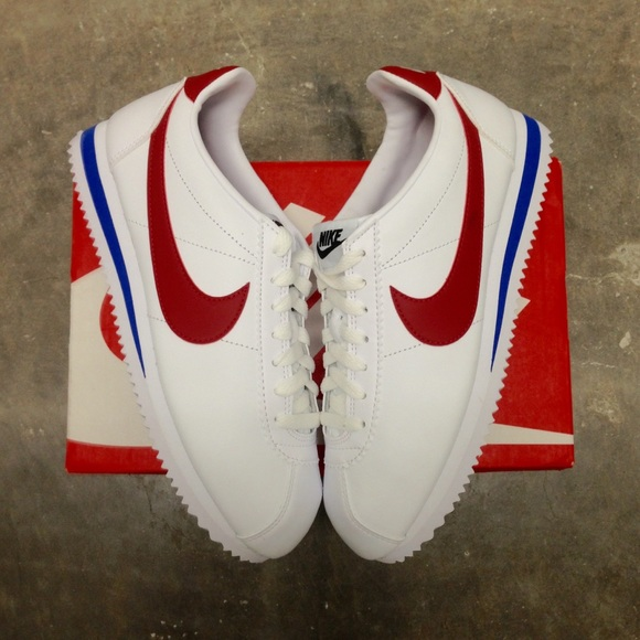 official photos d58a8 821be WMNS NIKE CLASSIC CORTEZ LEATHER WHITE RED BLUE